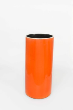 Vase orange du designer Georges Jouve